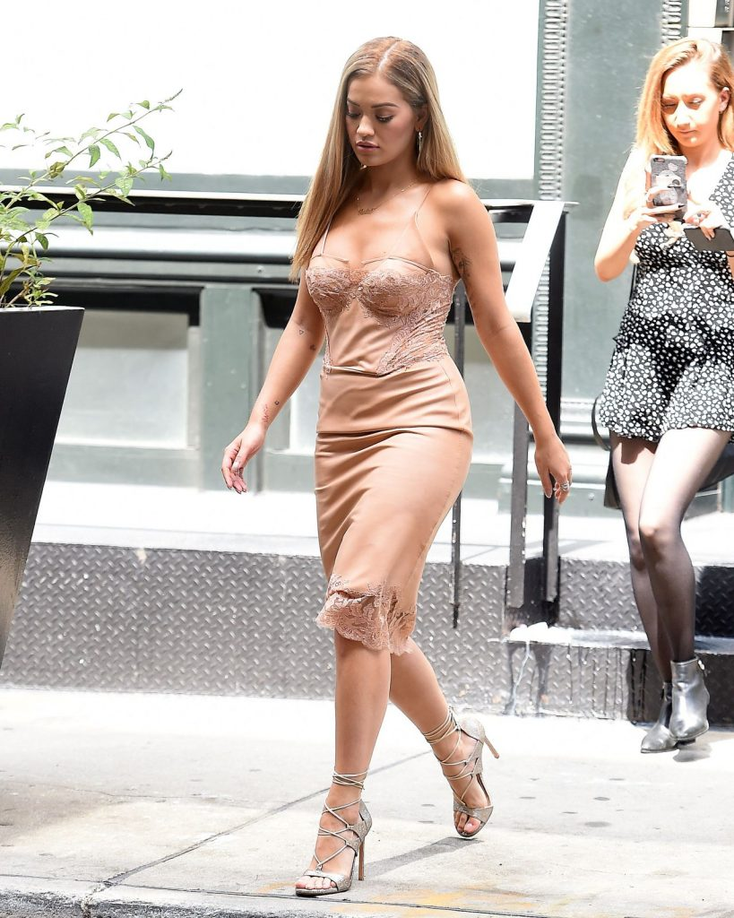 rita-ora-style-out-in-nyc-8-14-2016-4