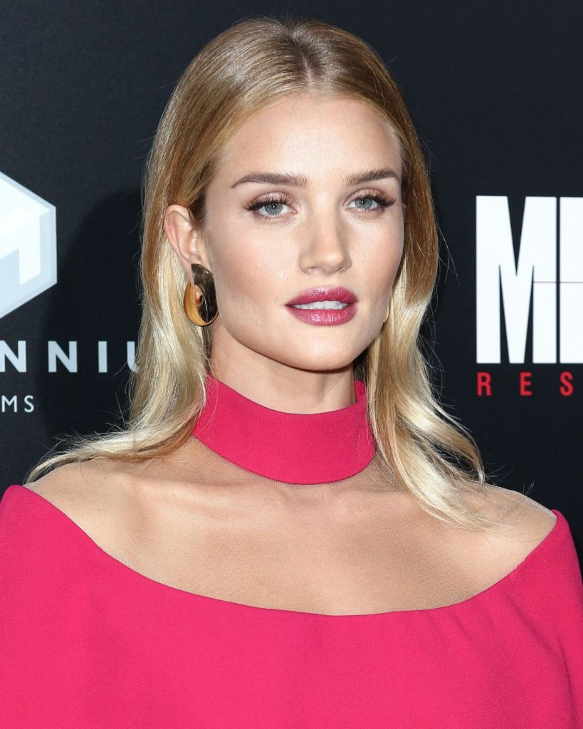 -rosie-huntington-whiteley-mechanic-resurrection-premiere-at-arclight-hollywood-in-la-8-22-2016-1