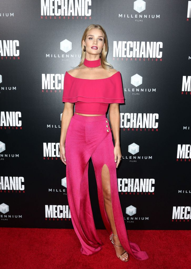 -rosie-huntington-whiteley-mechanic-resurrection-premiere-at-arclight-hollywood-in-la-8-22-2016-17