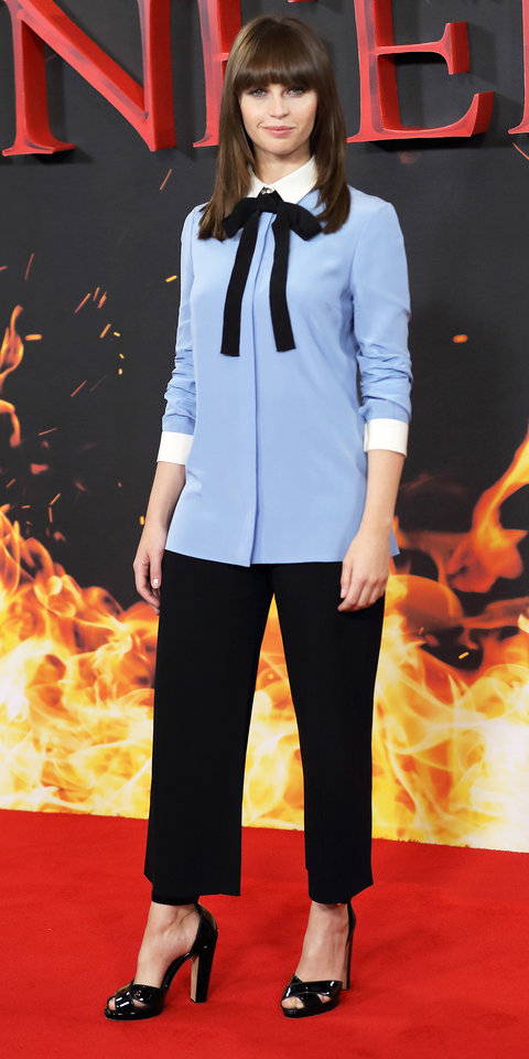felicity-jones-in-gucci-at-the-inferno-london-photocall