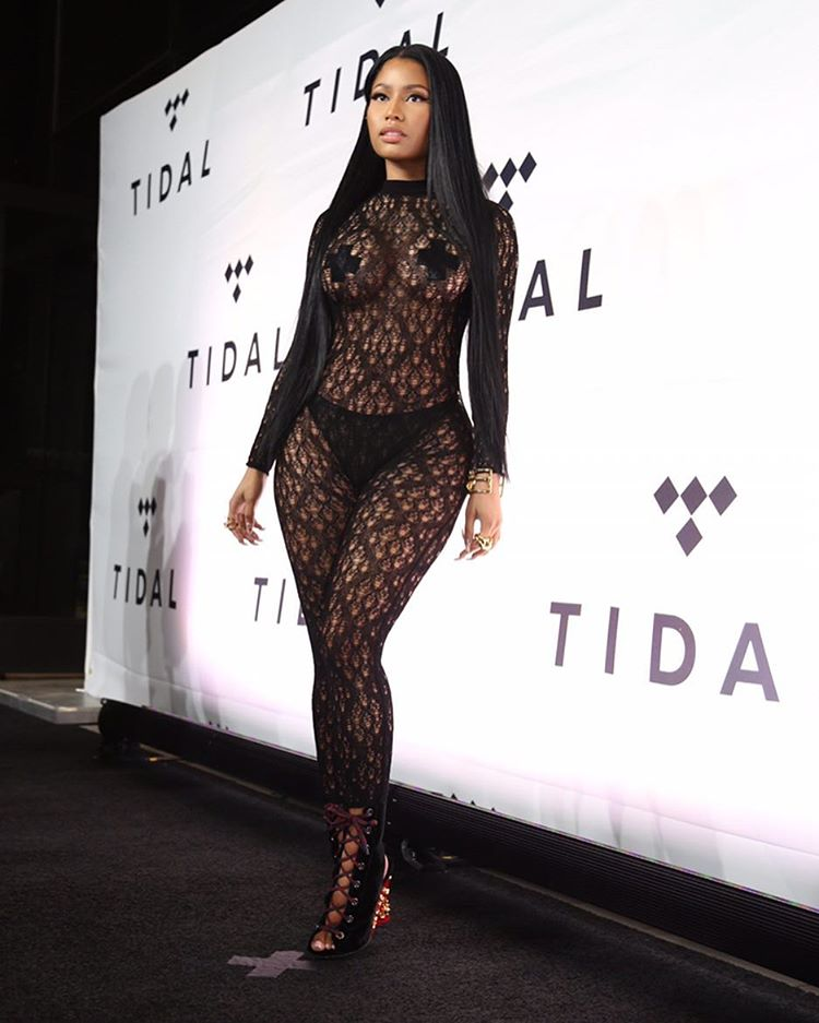 nicki-minaj-in-margiela-lanvin-at-tidal-x-1015-benefit-concert