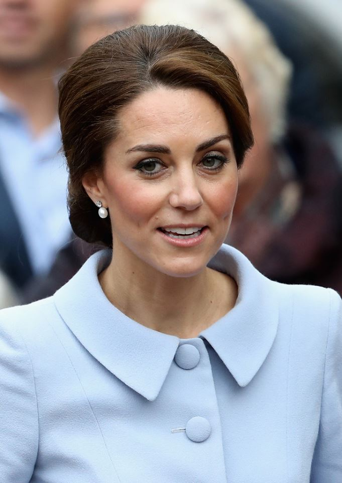 the-duchess-of-cambridge-in-catherine-walker-at-visit-to-the-netherlands