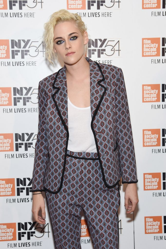 kristen-stewart-in-cinqa-sept-at-dinner-honoring-her-new-york-film-festival
