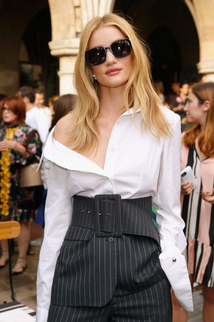 rosie-huntington-whiteley-in-monse-at-cfdavogue-fashion-fund-event