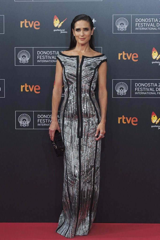 jennifer-connelly-in-louis-vuitton-at-the-american-pastoral-san-sebastian-international-film-festival-premiere