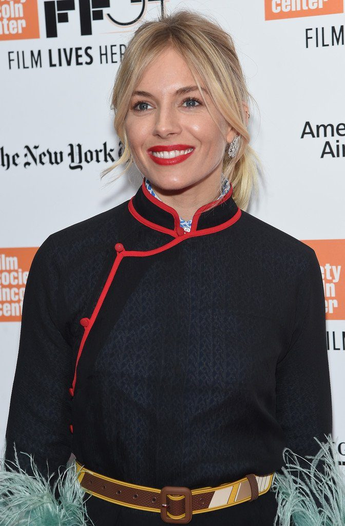 sienna-miller-in-prada-at-the-lost-city-of-z-new-york-film-festival-premiere