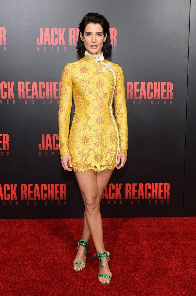 cobie-smulders-in-alessandra-rich-at-jackreacher-new-orleans-fan-screening