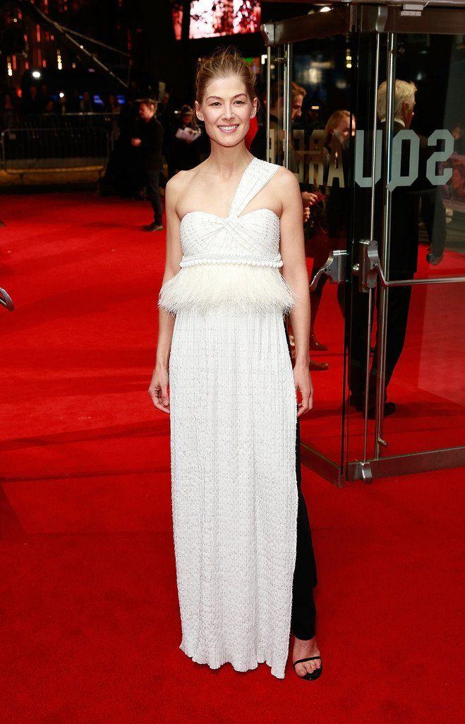 rosamund-pike-in-givenchy-at-the-bfi-london-film-festival-opening-premiere