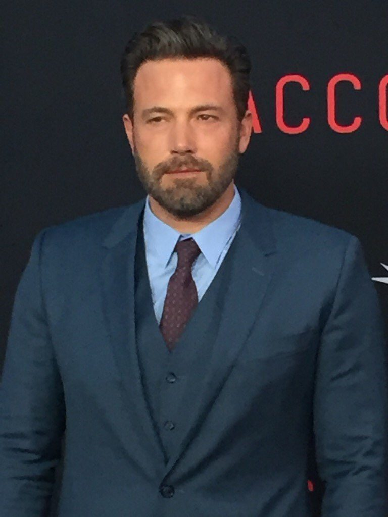 ben-affleck-in-dolce-gabbana-at-the-accountant-la-premiere