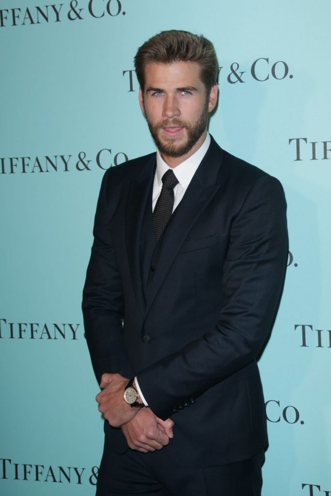 liam-hemsworth-in-dolce-gabbana-at-the-tiffany-co-store-renovation-unveiling-in-la