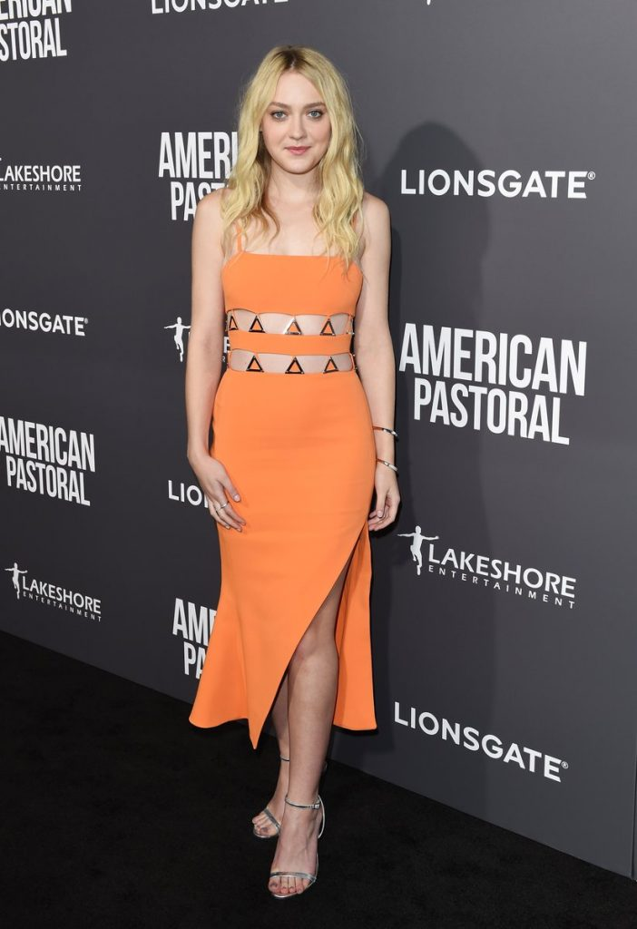 dakota-fanning-in-david-koma-at-american-pastoral-la-premiere