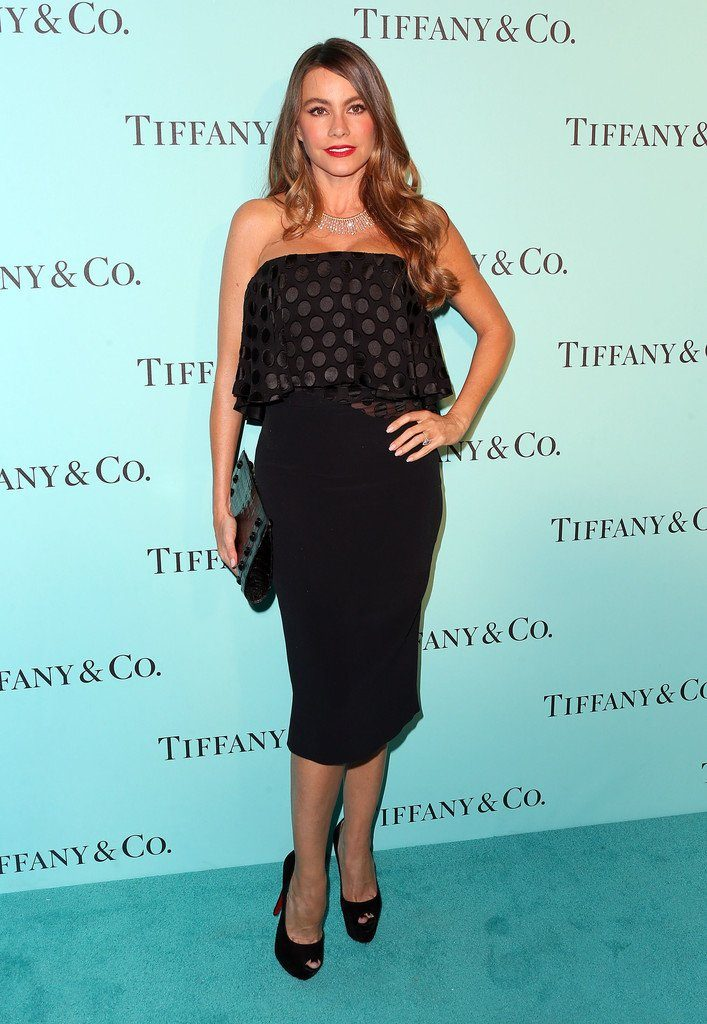 sofia-vergara-in-cushnie-et-ochs-at-the-tiffany-co-store-renovation-la-unveiling