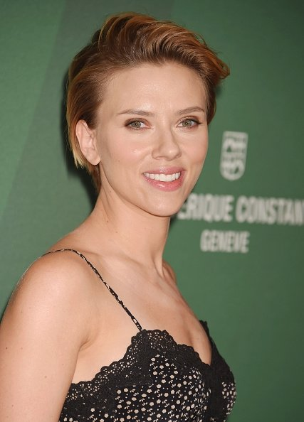 scarlett-johansson-in-mayle-at-varietys-power-of-women-luncheon