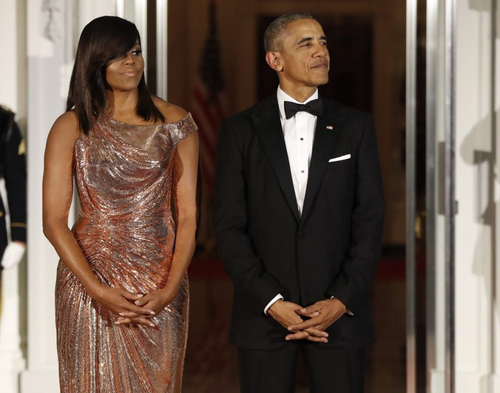 michelle obama in atelier versace at the state dinner in. Black Bedroom Furniture Sets. Home Design Ideas