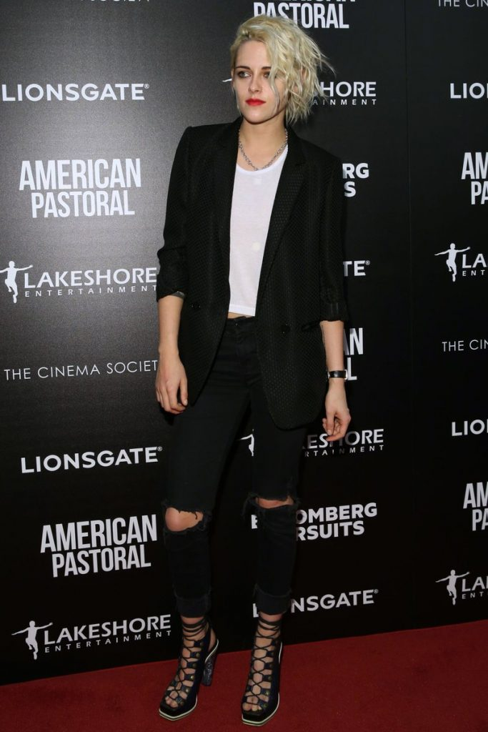kristen-stewart-in-sandro-at-american-pastoral-moma-screening