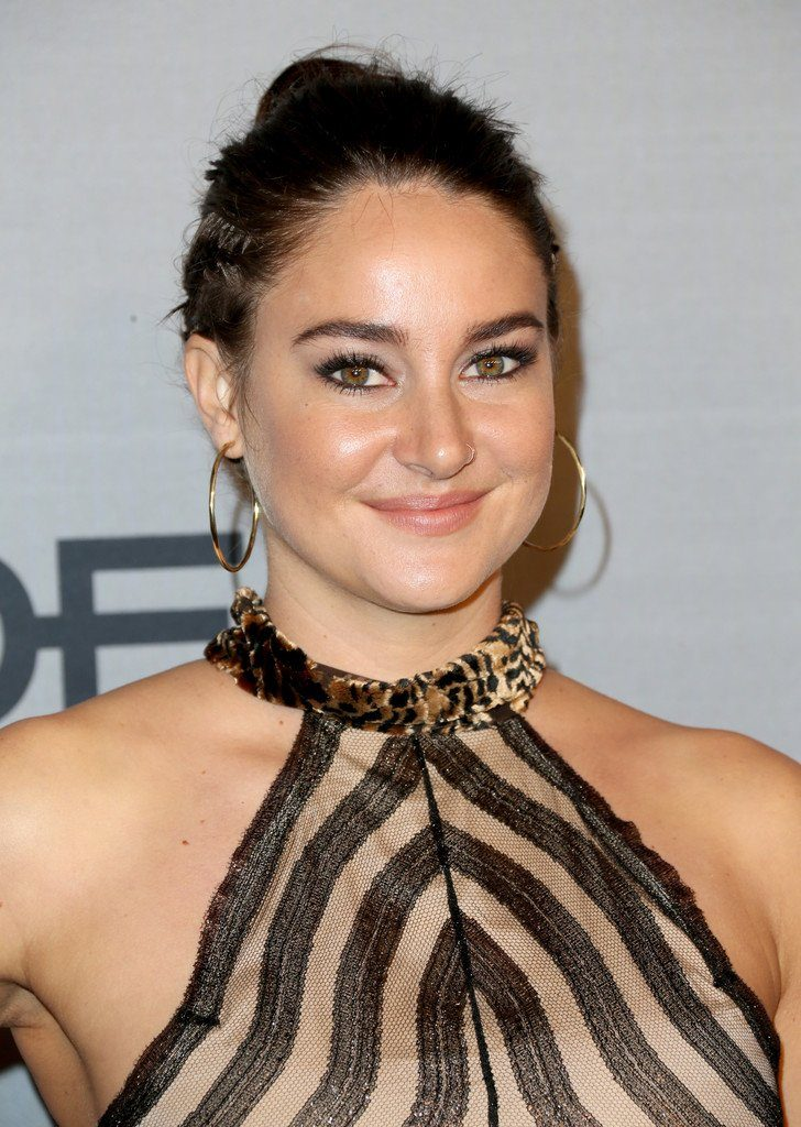shailene-woodley-in-sophie-theallet-at-2016-instyle-awards