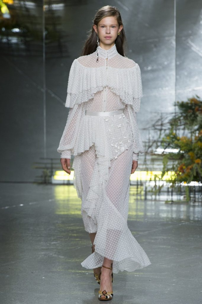 katy-perry-in-rodarte-at-cfdavogue-fashion-fund-fashion-show