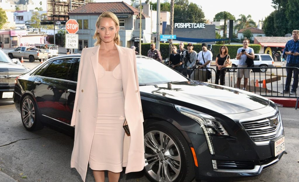 amber-valletta-in-brock-collection-at-cfdavogue-fashion-fund-event