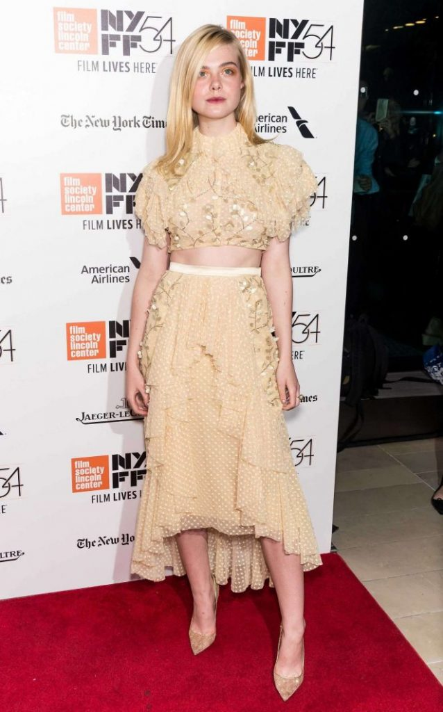 elle-fanning-20th-century-women-premiere-at-54th-nyff-07-662x1063