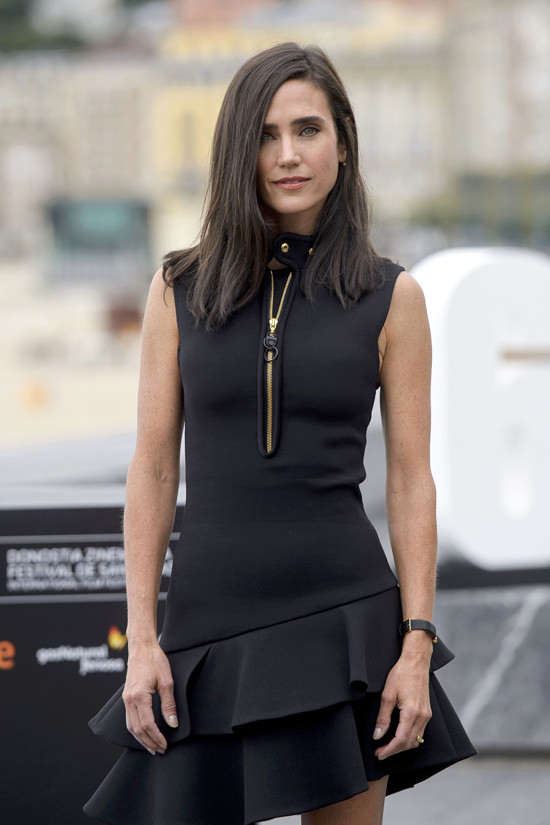 jennifer-connelly-in-louis-vuitton-american-pastoral-photocall