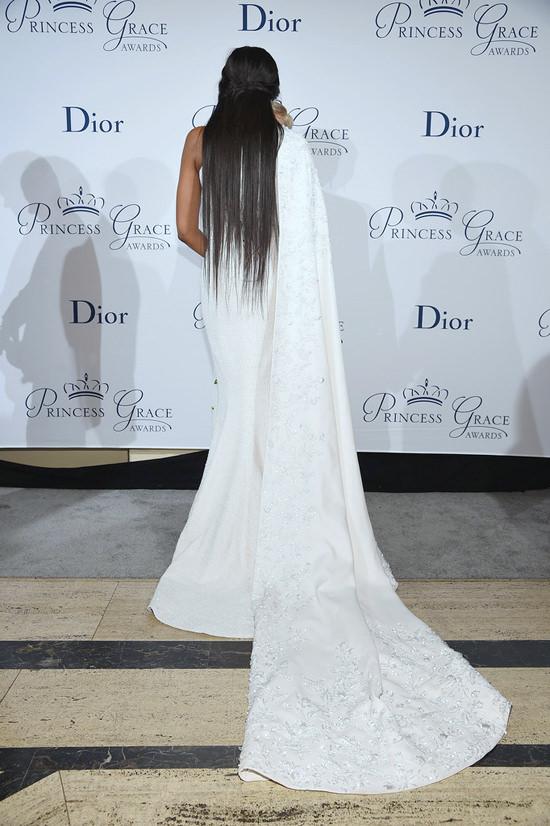 naomi-campbell-2016-princess-grace-awards-gala-red-carpet-fashion-