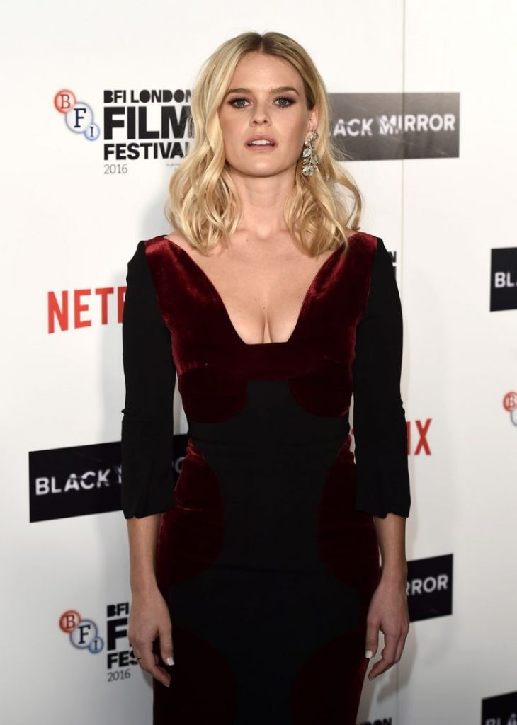alice-eve-at-blaxk-mirror-screening-at-60th-bfi-london-film-festival-10-06-2016_2