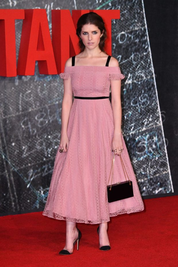 anna-kendrick-at-the-accountant-premiere-in-london-05-620x930