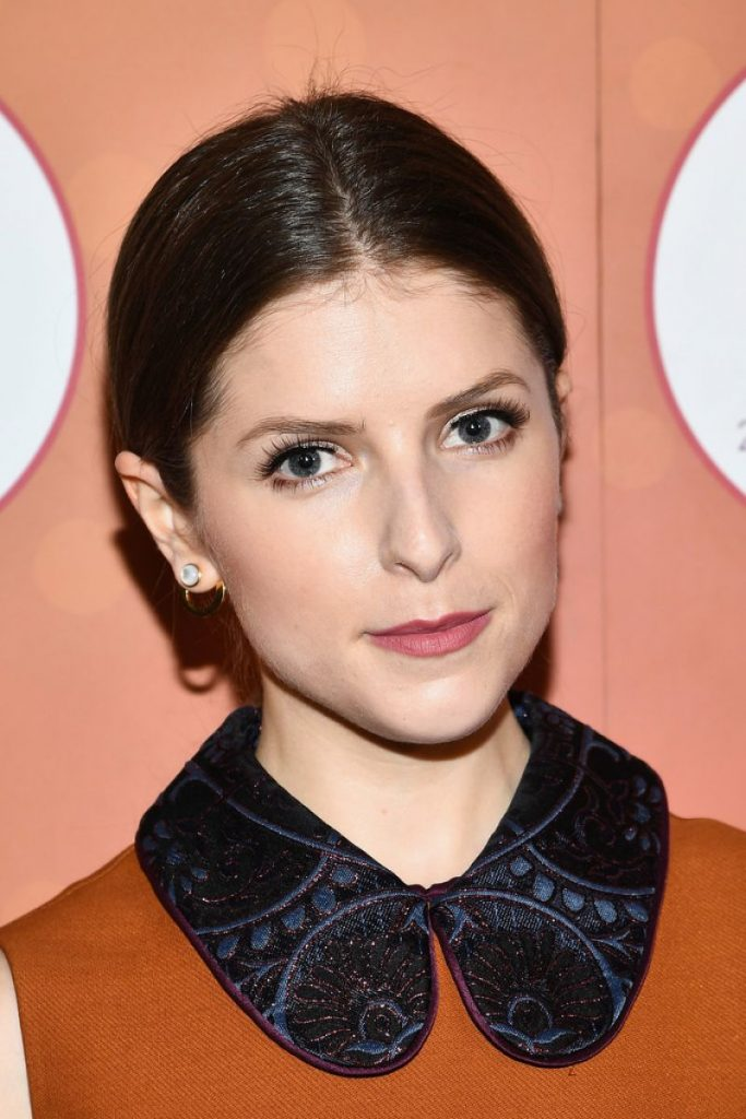 anna-kendrick-attends-the-mohegan-sun-s-20th-anniversary-ballroom-red-carpet-after-party_4
