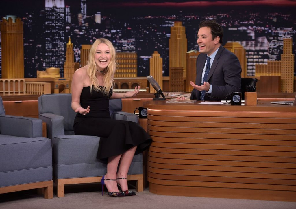 dakota-fanning-appeared-on-the-tonight-show-with-jimmy-fallon-10-12-2016-12