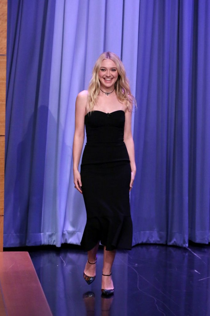dakota-fanning-appeared-on-the-tonight-show-with-jimmy-fallon-10-12-2016-2