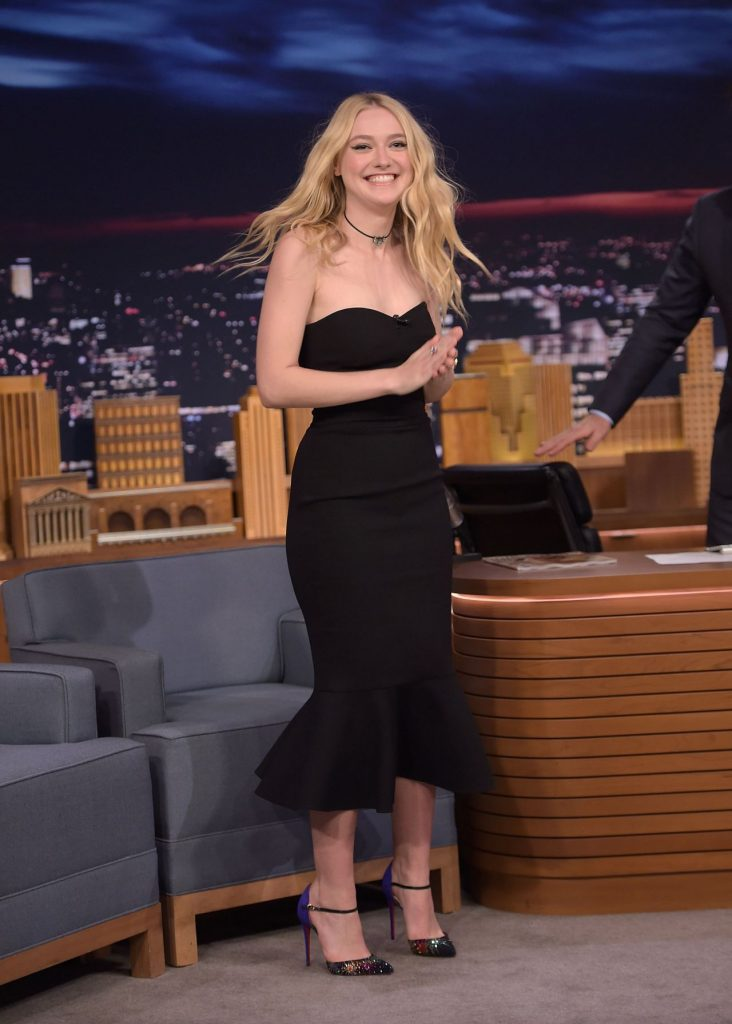 dakota-fanning-appeared-on-the-tonight-show-with-jimmy-fallon-10-12-2016-4