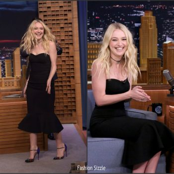 dakota-fanning-in-dolce-gabbana-at-tonight-show-starring-jimmy-fallon-1024×951