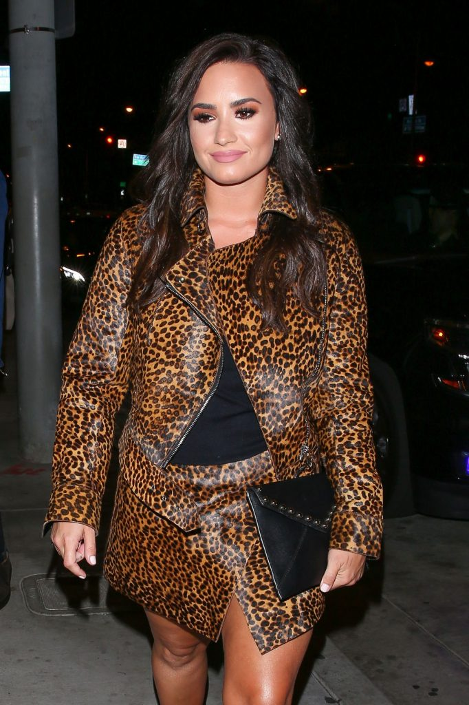 demi-lovato-at-catch-la-in-west-hollywood-10-22-2016_1