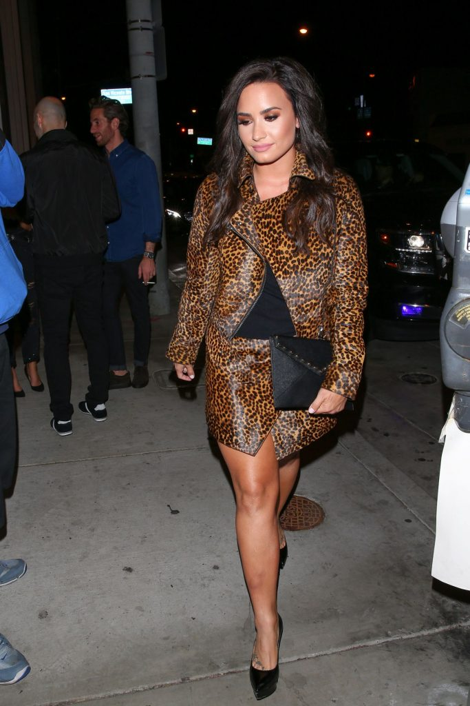 demi-lovato-at-catch-la-in-west-hollywood-10-22-2016_10