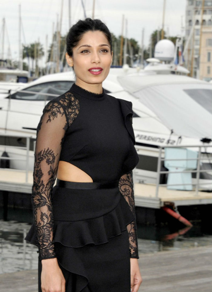 freida-pinto-kiefer-sutherland-jenna-coleman-hit-cannes-for-mipcom-2016-2-700x964