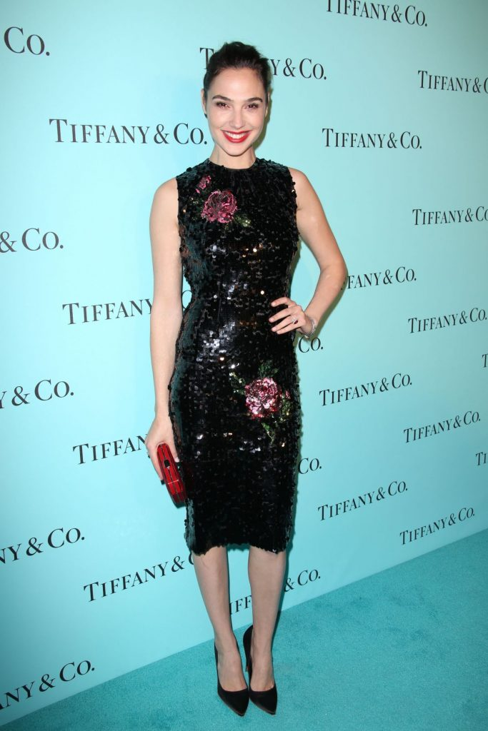 gal-gadot-attends-the-tiffany-co-store-renovation-unveiling-in-los-angeles_3