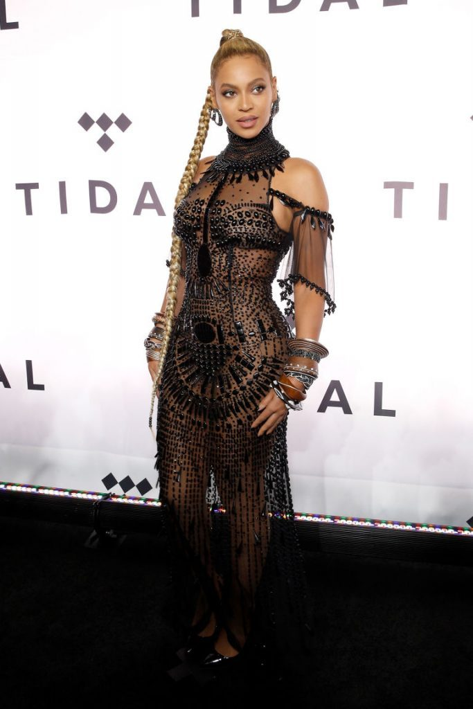 beyonce-in-gattinoni-couture-the-tidal-x-1015-charity-concert