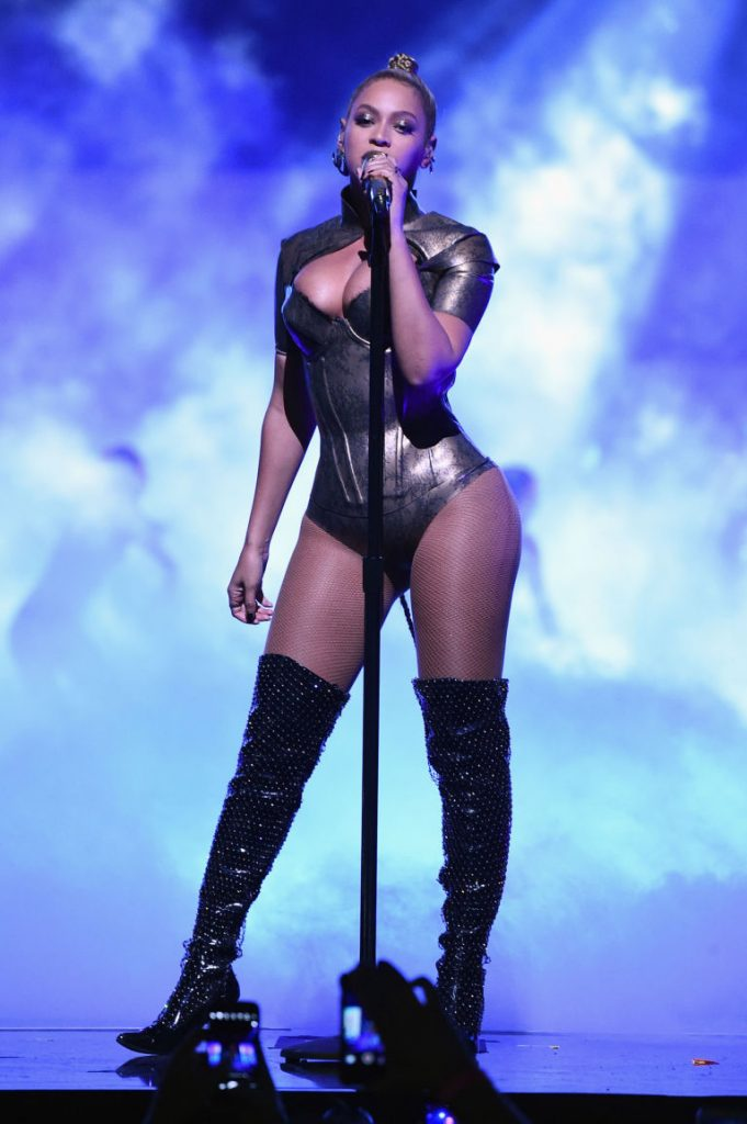 beyonces-outfits-at-tidal-x-1015-charity-concert