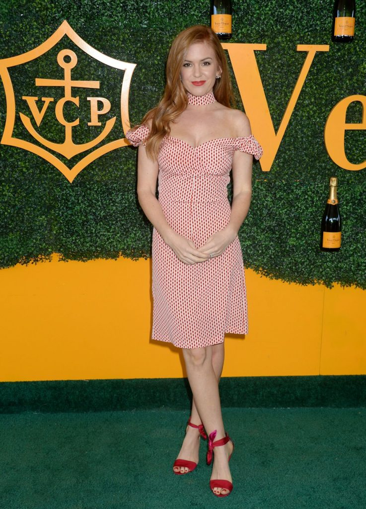 isla-fisher-attends-the-7th-annual-veuve-clicquot-polo-classic-in-los-angeles_4
