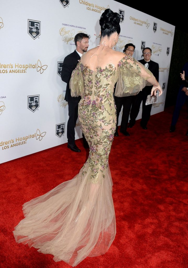 katy-perry-at-2016-children-s-hospital-los-angeles-once-upon-a-time-gala-10-15-2016_9