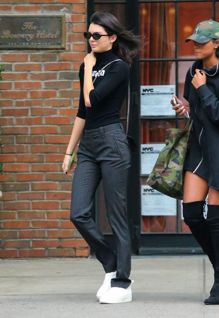 kendall-jenner-casual-style-leaving-the-bowery-hotel-in-nyc-september-2016-2