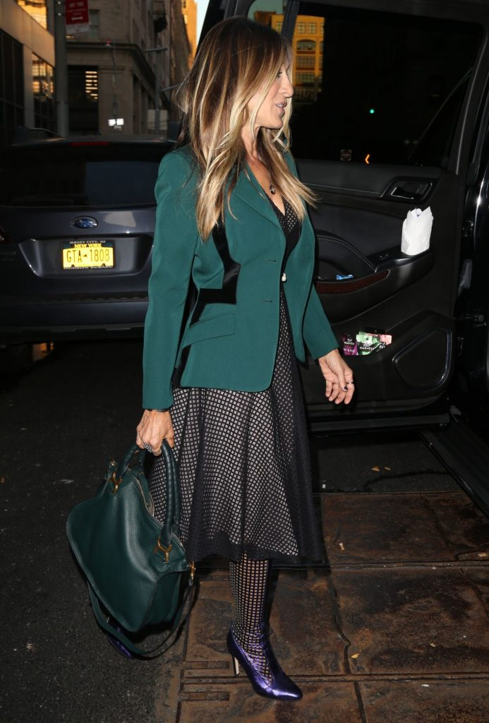 sarah-jessica-parker-out-and-about-in-new-york-10-05-2016_5
