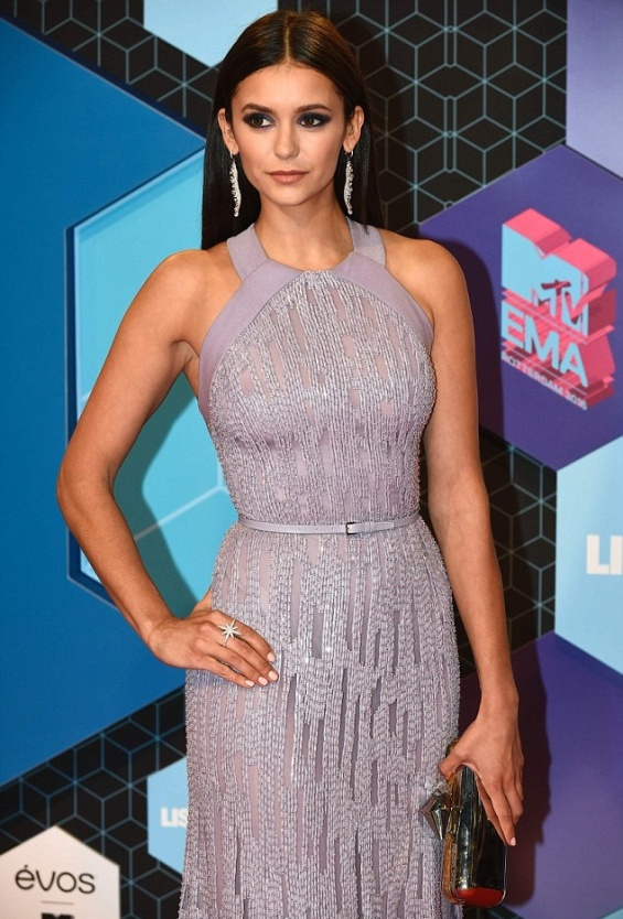 nina-dobrev-in-elie-saab-at-the-mtv-emas