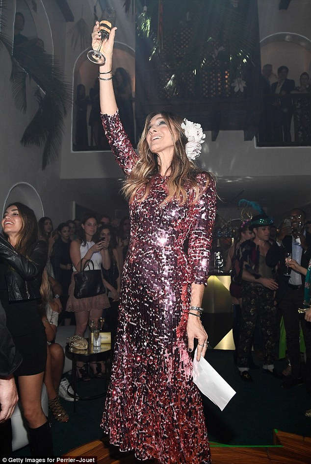 sarah-jessica-parker-in-dolce-gabbana-at-the-leden-by-perrier-jouet-art-basel-opening-night