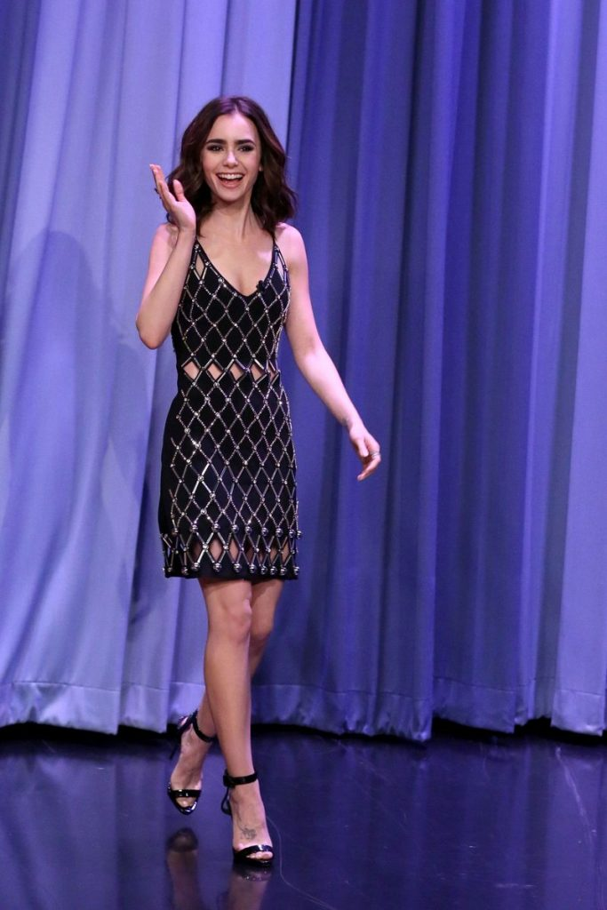 lily-collins-in-david-koma-at-tonight-show-starring-jimmy-fallon
