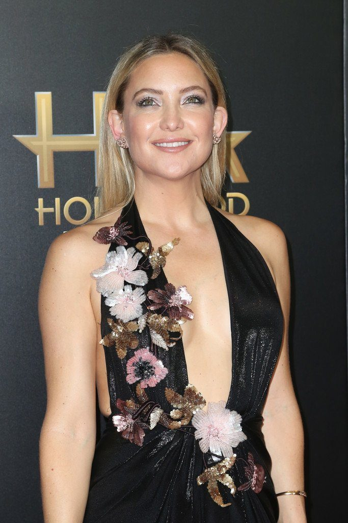 kate-hudson-in-marchesa-at-the-2016-hollywood-film-awards