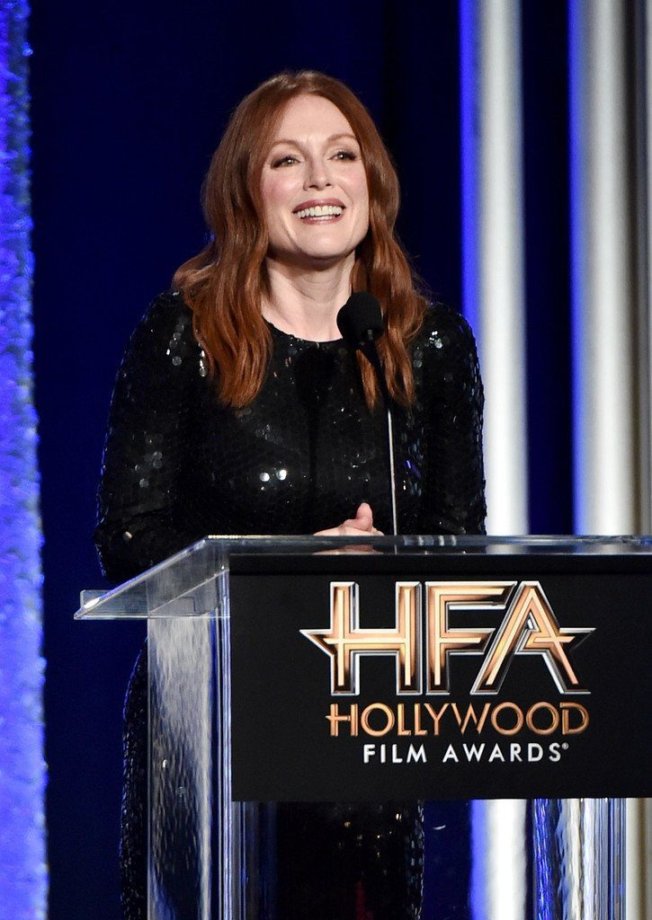 julianne-moore-in-tom-ford-at-the-2016-hollywood-film-awards