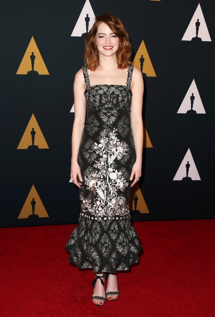 emma-stone-in-erdem-at-the-2016-governors-awards