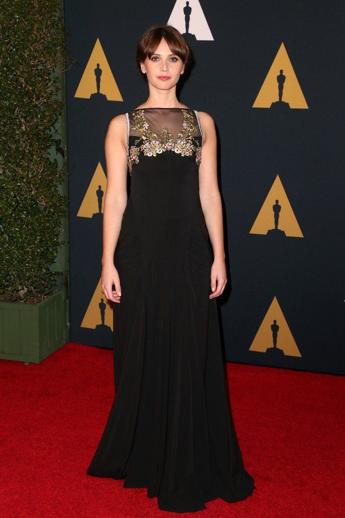Felicity- Jones-miu-miu- 2016-governors-awards
