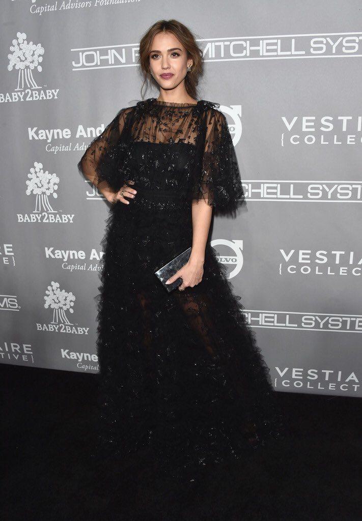 Jessica -Alba- Valentino-2016 -Baby -2- Baby- Gala- Redcarpet